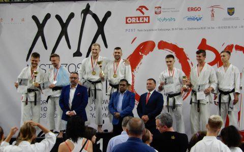 Nasi podopieczni zdobywają medale w mistrzostwach w karate